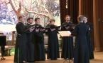 Le choeur des séminaristes chante au concert du Nouvel An à l'Ambassade de Russie à Paris