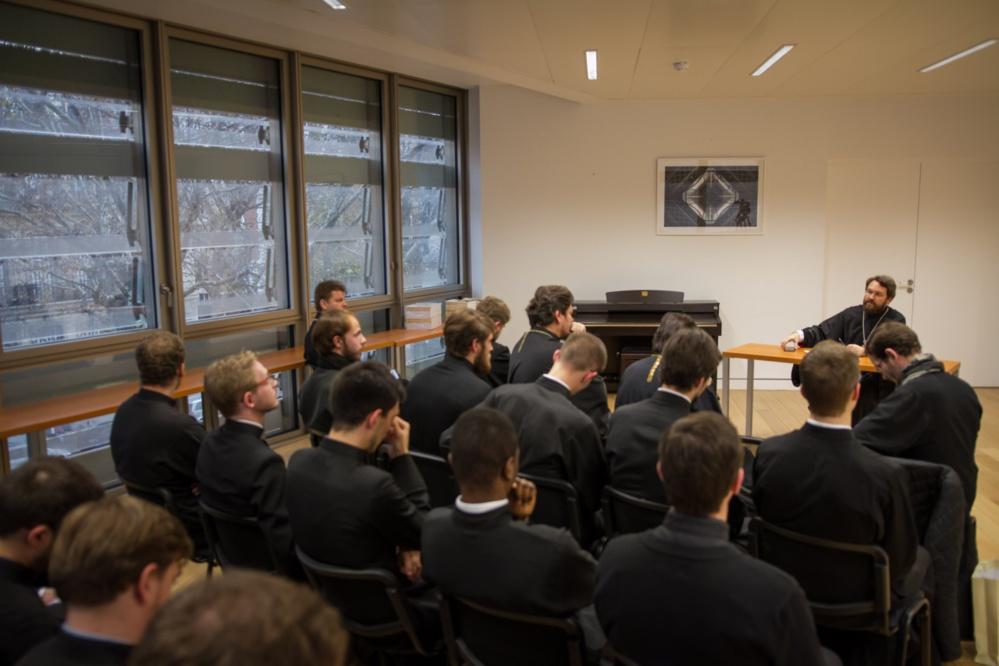 Le métropolite Hilarion de Volokolamsk a rencontré à Paris les formateurs et les élèves de notre Séminaire
