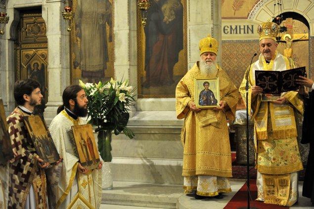 Le recteur et les séminaristes ont participé à la liturgie le dimanche du Triomphe de l'Orthodoxie à l'église grecque de Paris