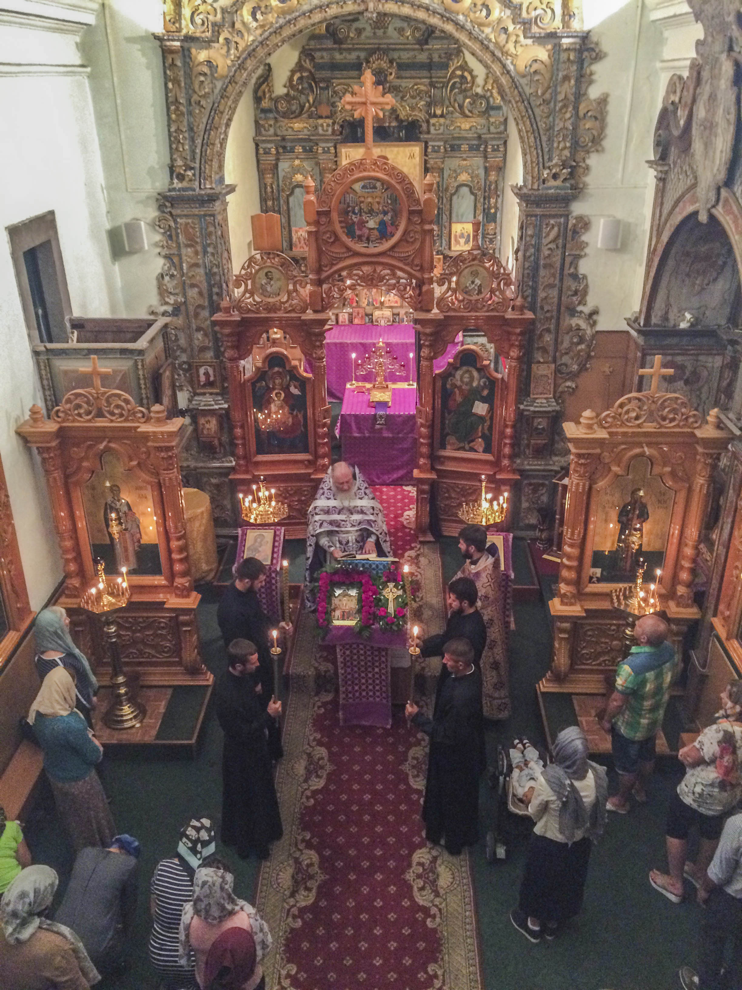 Liturgie dans la paroisse orthodoxe Sainte-Xenia de Faro (Portugal)