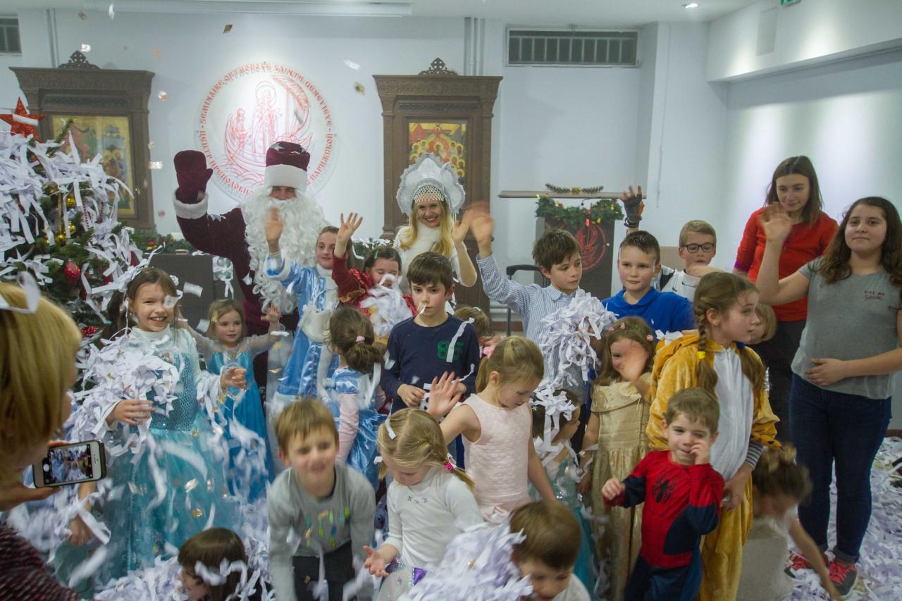 """Reportage photographique sur la fête de Noël de notre école """"Phénix"""""""