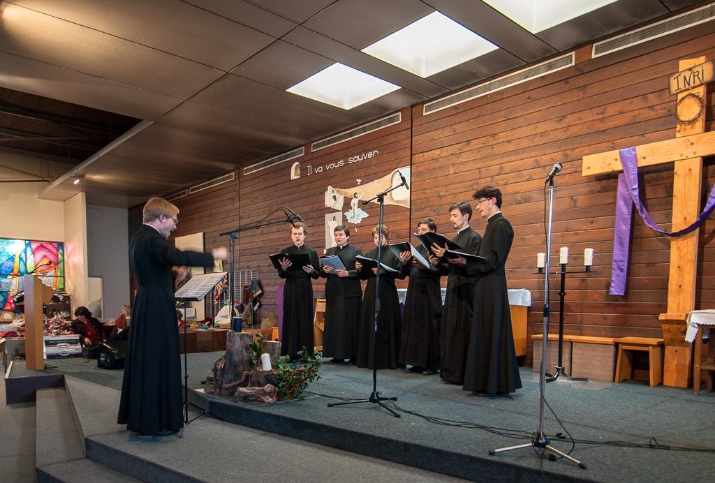 Concert du choeur du séminaire à l'église Saint-Damien d'Épinay-sous-Sénart