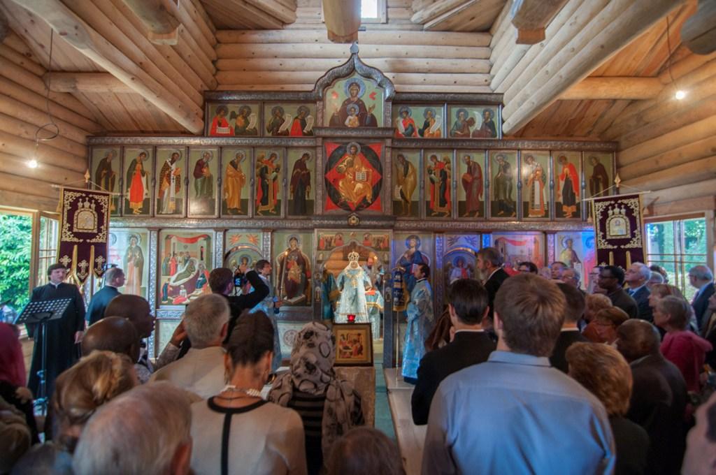 Consécration de l'église en bois Notre-Dame de la Nativité