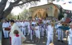 Nos séminaristes ont chanté après la messe de l'Assomption à la chapelle Sainte-Anne de Saint-Tropez