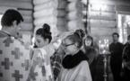 Chrismation de quatre jeunes au cours de la liturgie dominicale