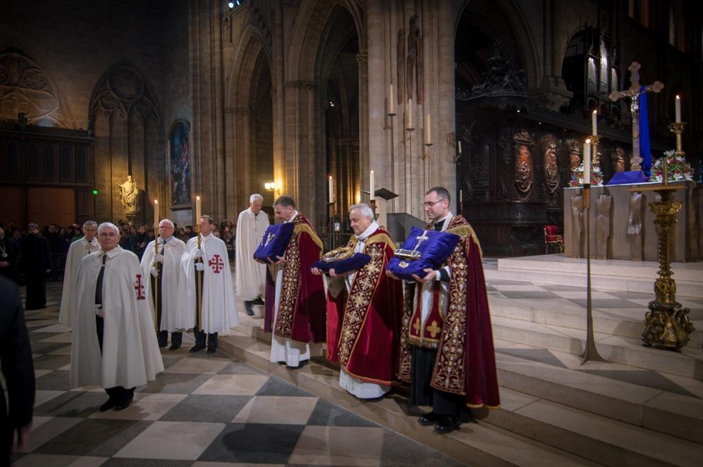 Afbeeldingsresultaat voor couronne d'épine veneration